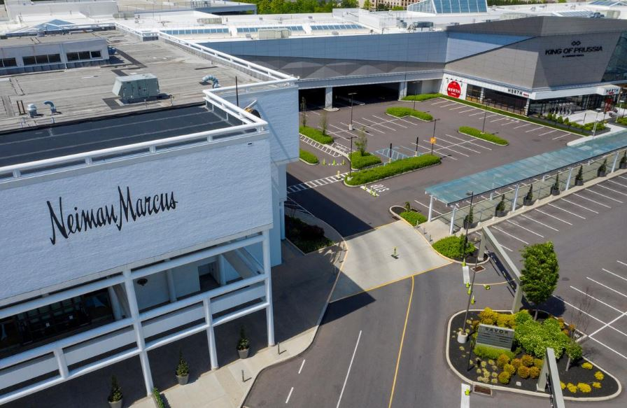 neiman marcus U.S. Firms Shower Execs with Bonuses